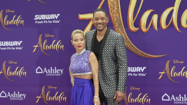 """jada pinkett smith and will smith at the world premiere of disney's """"aladdin"""" on may 21, 2019 in hollywood, california. - 俳優 ウィル・スミス点の映像素材/bロール"""