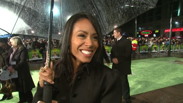 Jada Pinkett Smith on playing a 'full figured voluptuous woman' and on how she's celebrating thanksgiving at the UK Premiere of Madagascar 2 Escape 2...