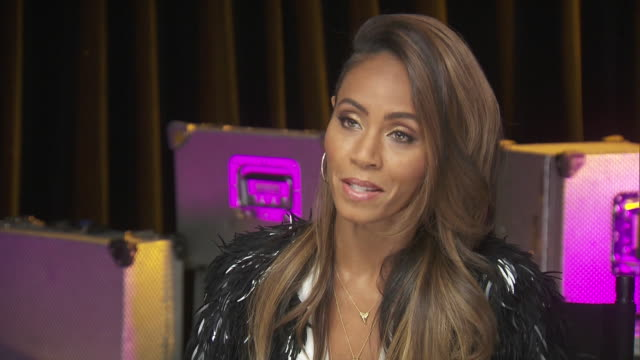 jada pinkett smith says that every woman is extraordinary while backstage at the chime for change benefit event to promote women's rights around the... - human rights or social issues or immigration or employment and labor or protest or riot or lgbtqi rights or women's rights stock videos & royalty-free footage