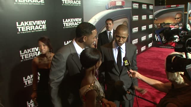 vidéos et rushes de jada pinkett smith will smith at the lakeview terrace premiere at new york ny - 2008