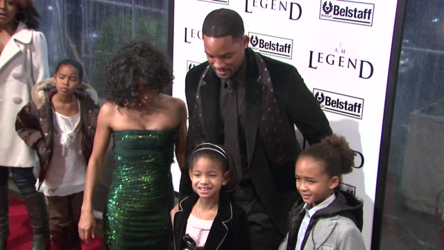 Jada PinkettSmith Will Smith Jaden Smith and Willow Smith at the 'I Am Legend' Premiere at Madison Square Garden in New York New York on December 11...