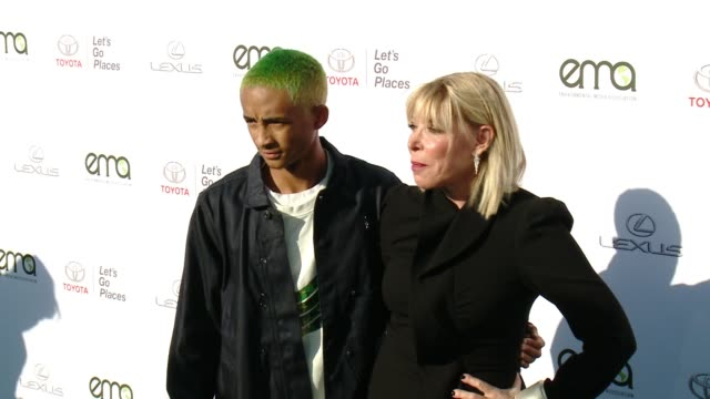 jaden smith and debbie levin at the 27th annual environmental media association awards at barker hangar on september 23 2017 in santa monica... - barker hangar stock videos & royalty-free footage