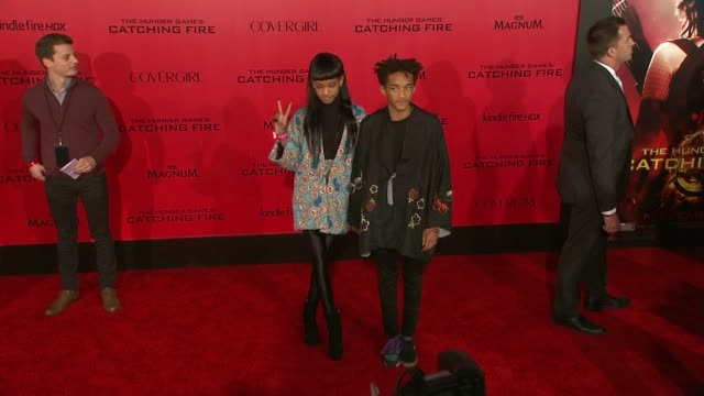 jaden smith willow smith at the hunger games catching fire los angeles premiere in los angeles ca on - jaden smith stock videos & royalty-free footage
