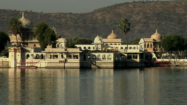 MS ZO Jag Mandir Island and Lake Pichola/ Udaipur, Rajasthan, India