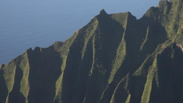 jagged mountain ridges on kauai island - butte rocky outcrop stock videos & royalty-free footage
