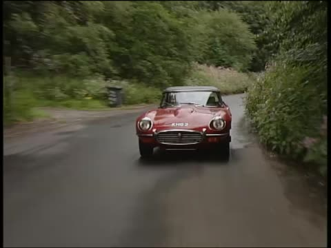 jaguar e type - auto convertibile video stock e b–roll