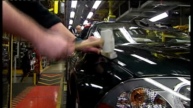 jaguar land rover to retain british factories r11030913 int workers on jaguar car producion line - land rover stock videos and b-roll footage