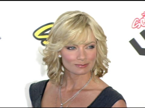 jaime pressly at the spike tv video game awards at the gibson amphitheatre in los angeles, california on november 18, 2005. - gibson amphitheatre stock-videos und b-roll-filmmaterial