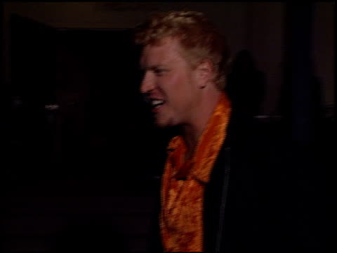 jake busey at the 'tigerland' premiere at 20th century fox lot in century city, california on october 3, 2000. - tigerland点の映像素材/bロール