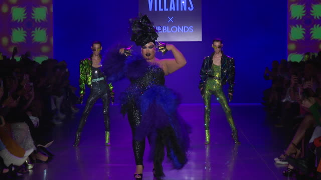 jake dupont and joseph dupont walk the runway at disney villains x the blonds runway september 2018 new york fashion week the shows at gallery i at... - schurke stock-videos und b-roll-filmmaterial
