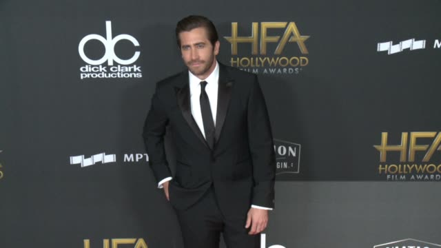 jake gyllenhaal at 21st annual hollywood film awards at the beverly hilton hotel on november 05 2017 in beverly hills california - jake gyllenhaal stock videos & royalty-free footage