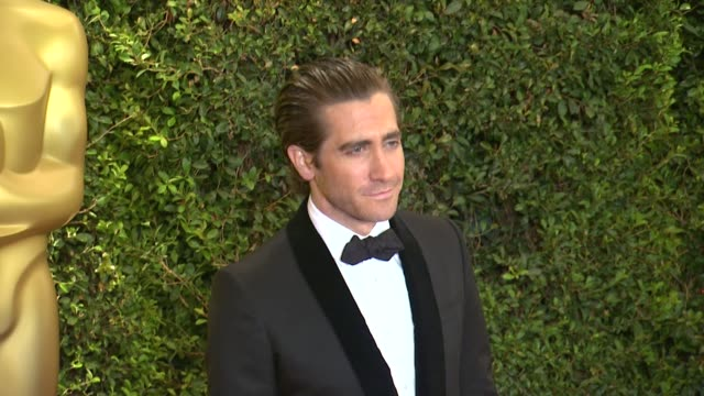 jake gyllenhaal at academy of motion picture arts and sciences' governors awards in hollywood ca on - jake gyllenhaal stock videos & royalty-free footage