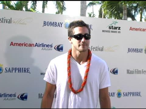 jake gyllenhaal at the 2005 maui film festival tribute to jake gyllenhaal at marriott wailea in maui hawaii on june 18 2005 - jake gyllenhaal stock videos & royalty-free footage