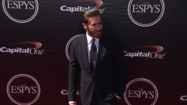 jake gyllenhaal at the 2015 espys at microsoft theater on july 15 2015 in los angeles california - microsoft theater los angeles stock videos and b-roll footage