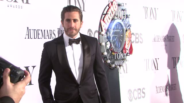 jake gyllenhaal at the 67th annual tony awards arrivals at radio city music hall on june 09 2013 in new york new york - jake gyllenhaal stock videos & royalty-free footage