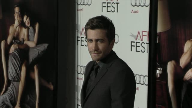 jake gyllenhaal at the afi fest 2010 screening of 'love other drugs' at hollywood ca - jake gyllenhaal stock videos & royalty-free footage