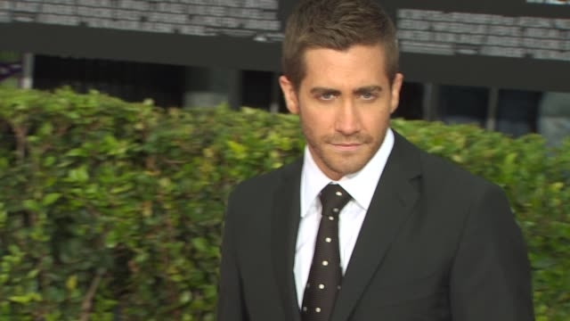 jake gyllenhaal at the 'prince of persia the sands of time' premiere at hollywood ca - jake gyllenhaal stock videos & royalty-free footage