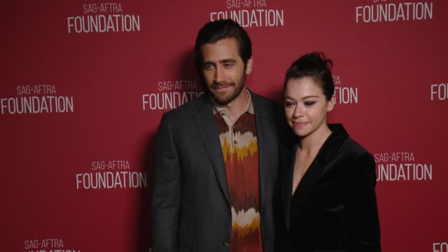jake gyllenhaal tatiana maslany at sagaftra foundation patron of the arts awards in los angeles ca - jake gyllenhaal stock videos & royalty-free footage
