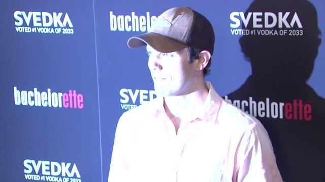 "jake lacy at""bachelorette"" - new york premiere at sunshine landmark on september 04, 2012 in new york, new york - ランドマークサンシャインシアター点の映像素材/bロール"