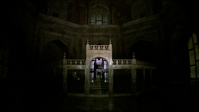 jali screen inside inner chamber of taj mahal, agra - mausoleum stock videos and b-roll footage