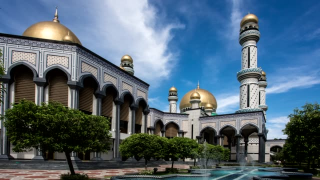 jame'asr hassanil bolkiah mosque - dome stock videos & royalty-free footage