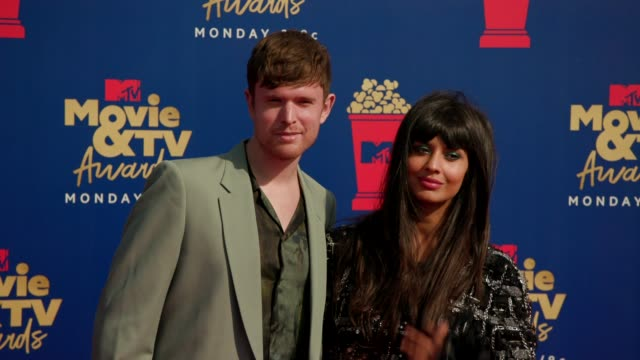 jameela jamil and james blake at the 2019 mtv movie tv awards at barkar hangar on june 15 2019 in santa monica california - mtv movie & tv awards stock videos & royalty-free footage