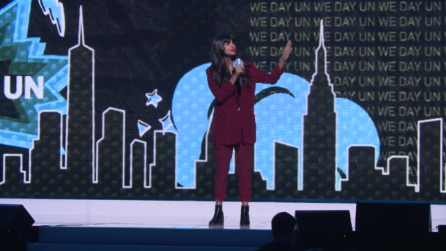 vídeos de stock e filmes b-roll de jameela jamil on curating social media and how it is a marketplace which can prey on people with low self-esteem using celebrities and influences at... - social media