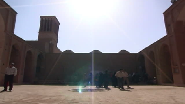 jameh mosque. pan-left of the courtyard of the 12th century jameh mosque. the mosque is a fine specimen of the azari style of architecture. - circa 12th century stock videos & royalty-free footage