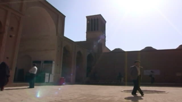 jameh mosque panright of the courtyard of the 12th century jameh mosque the mosque is a fine specimen of the azari style of architecture - circa 12th century stock videos & royalty-free footage
