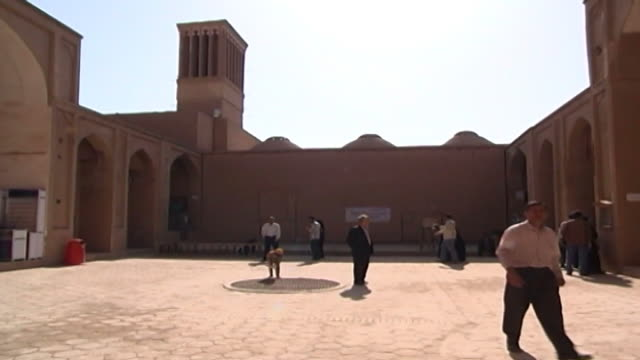 jameh mosque. view of the courtyard of the 12th century jameh mosque. the mosque is a fine specimen of azari architecture. - circa 12th century stock videos & royalty-free footage