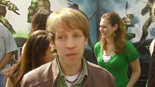 james arnold taylor on his character and how he's like the turtle he plays, on why people continue to love the tmnt, on voiceover work at the... - ミュータント・タートルズ点の映像素材/bロール