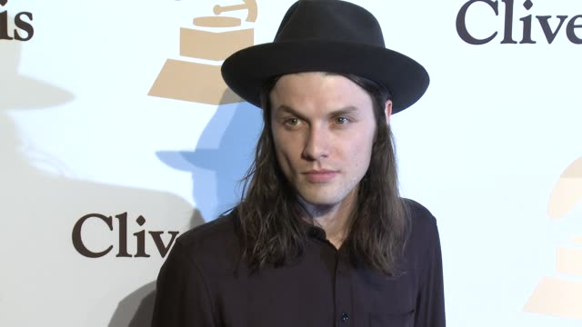 stockvideo's en b-roll-footage met james bay at the 2016 pregrammy gala and salute to industry icons honoring irving azoff at the beverly hilton hotel on february 14 2016 in beverly... - irving azoff