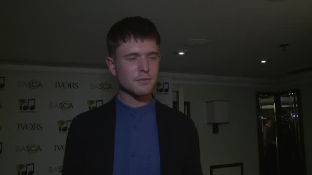 vídeos y material grabado en eventos de stock de interview james blake on his winning his peers and composing secrets at the ivor novello awards 2014 at the grosvenor house hotel on may 22 2014 in... - hotel grosvenor house londres