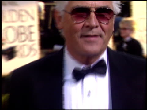 stockvideo's en b-roll-footage met james brolin at the 2004 golden globe awards at the beverly hilton in beverly hills, california on january 25, 2004. - james brolin