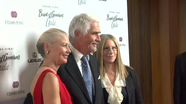stockvideo's en b-roll-footage met james brolin , barbara streisand at the the cedars-sinai board of governors annual gala at beverly hills ca. - james brolin