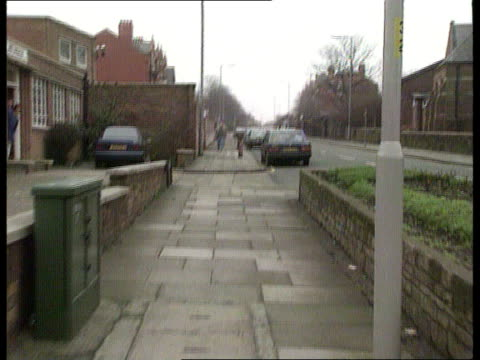 james bulger murder investigation itn merseyside bootle forward pavement along which murdered james bulger was dragged - merseyside stock videos and b-roll footage
