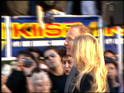james caan at the 'eraser' premiere at grauman's chinese theatre in hollywood california on june 11 1996 - première video stock e b–roll