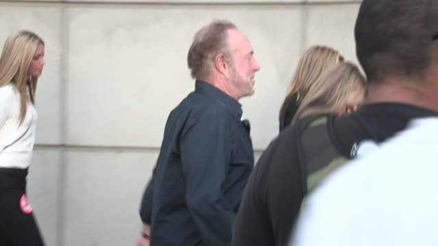 vídeos de stock e filmes b-roll de james caan meets melanie griffith at rolling stones 50 & counting tour in at celebrity sightings in los angeles james caan meets melanie griffith at... - melanie griffith