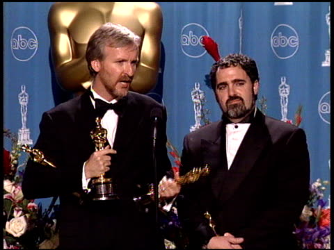 james cameron at the 1998 academy awards at the shrine auditorium in los angeles, california on march 23, 1998. - james cameron stock videos & royalty-free footage