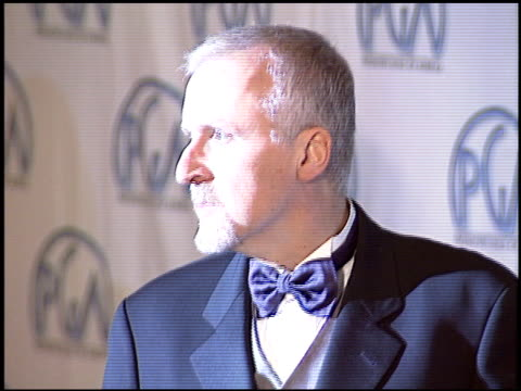 stockvideo's en b-roll-footage met james cameron at the 2004 producers guild of america awards at the century plaza hotel in century city california on january 17 2004 - producers guild of america