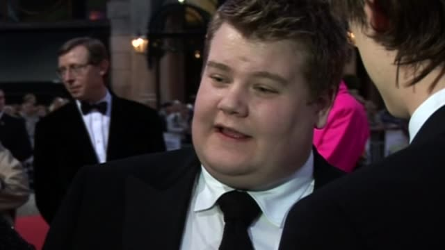James Corden awarded OBE R02100606 / 2102006 leicester square Corden being interviewed at the premiere of the film 'The Hostory Boys'