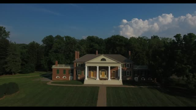 james madison's montpelier is a museum and permanent exhibit in orange, virginia where the architect of the united states constitution lived and farm. - ジェームス モンロー点の映像素材/bロール