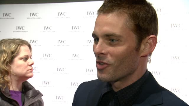 vídeos de stock e filmes b-roll de interview james marsden on being a watch nerd on loving iwc as a brand blending in with the tribeca film festival on what he thinks when he thinks... - festival de cinema tribeca