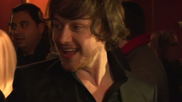 vidéos et rushes de james mcavoy at the the last station premiere at london england - en dernier