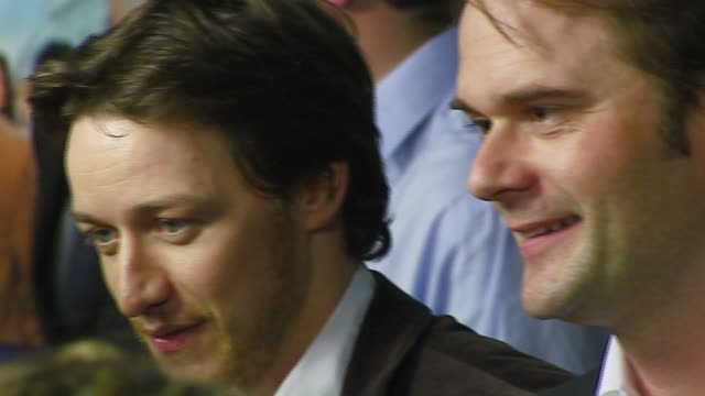 james mcavoy tom vaughan at the 'starter for 10' los angeles premiere at arclight cinemas in hollywood california on february 6 2007 - arclight cinemas hollywood 個影片檔及 b 捲影像