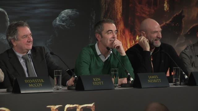 james nesbitt at 'the hobbit' uk press conference james nesbitt on sleeping with horses at claridges hotel on december 11 2012 in london england - hooved animal stock videos & royalty-free footage