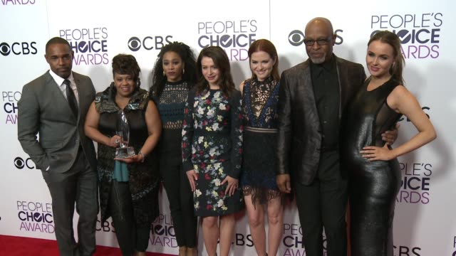james pickens jr kelly mccreary chandra wilson sarah drew jason george and camilla luddington at the people's choice awards 2017 at microsoft theater... - jason george stock videos and b-roll footage