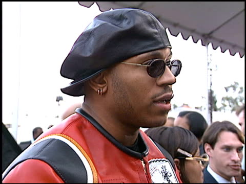 vídeos de stock e filmes b-roll de james todd ll cool j smith at the american music awards at the shrine auditorium in los angeles california on january 29 1996 - american music awards