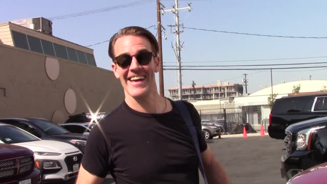interview james van der beek reacts to the news that jenna dewan is pregnant outside the dwts rehearsal studio in hollywood in celebrity sightings in... - dancing with the stars stock videos & royalty-free footage