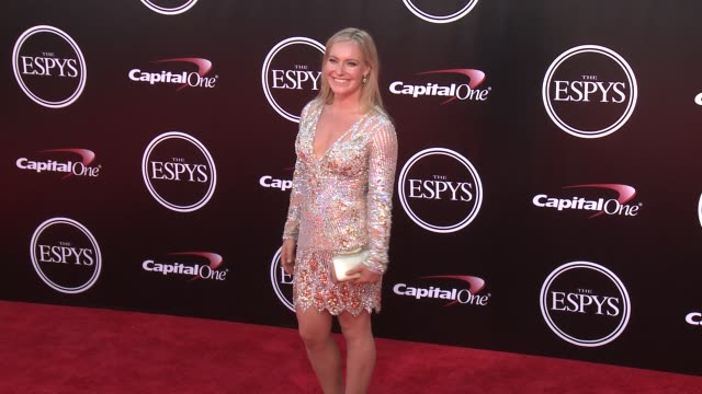 vídeos de stock, filmes e b-roll de jamie anderson at the 2016 espy awards at microsoft theater on july 13 2016 in los angeles california - espy awards